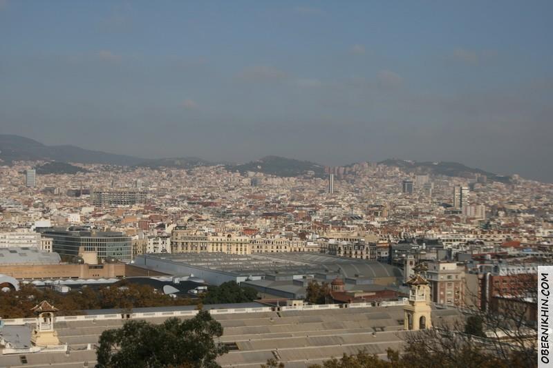 вид на Барселону с крыши музея